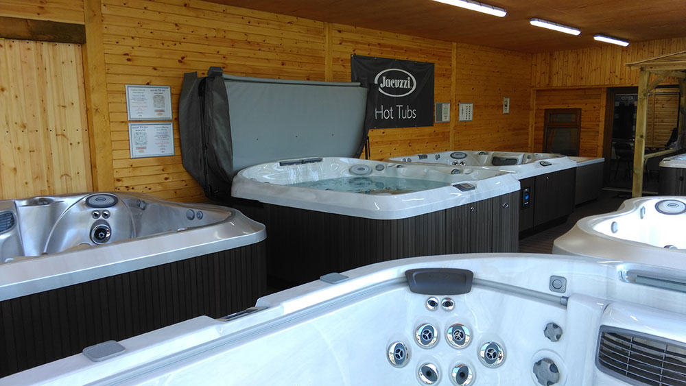 Our New Jacuzzi® Outlet Opens Near Bristol