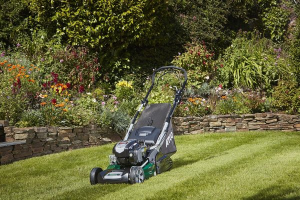 Atco Liner 19SV on Lawn